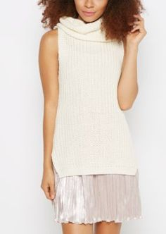 Escape the monotony of a traditional sweater in this stylish number! Built with chunky knit, this piece boasts a trendy cowl neck and side split vents at the hem. Wear it alone or experiment by layering it with a tee.