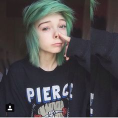 Love her hair Instagram   @/lefabulouskilljoy