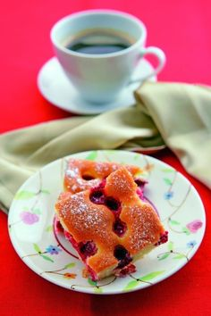 Czech Bublanina is a simple cake made with whatever fruit is most plentiful at the time, but sour cherries are very popular. Slovak Recipes, Czech Recipes, Czech Food, Seasonal Fruits, Fruit Pie, Sour Cherry, Fruit In Season, Tiana, Cherries