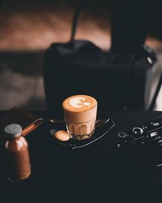 Coffee wallpapers for iPhone and Android. Clik the link for Tech News and Gadget updates. Hipster Coffee, Coffee Geek, Coffee Cozy, Coffee Time, Tea Time, Coffee Shot, Coffee Drinks, Coffee Wallpaper Iphone, Coffee Wallpapers