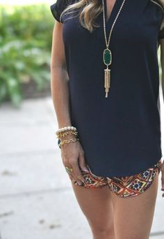 Patterned shorts | Kendra Scott Rayne Stone Tassel Pendant Necklace - perfect summery outfit