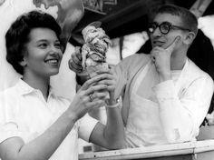 1959 Minnesota State Fair ... he's smitten!