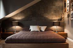 Nastrojowa sypialnia na poddaszu - Architektura, wnętrza, technologia, design - HomeSquare