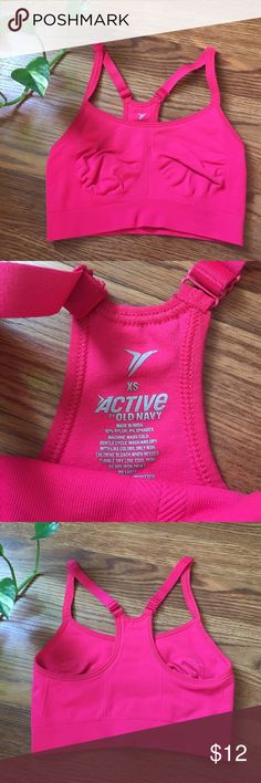 XS Sports Bra XS sports bra with adjustable straps Old Navy Intimates & Sleepwear Bras