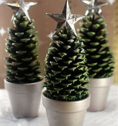 DIY Easy pinecone Christmas trees - pinecone craft for kids // Toboz karácsonyfa egyszerűen - karácsonyi dekoráció tobozból // Mindy - craft tutorial collection // #crafts #DIY #craftTutorial #tutorial #NatureCrafts