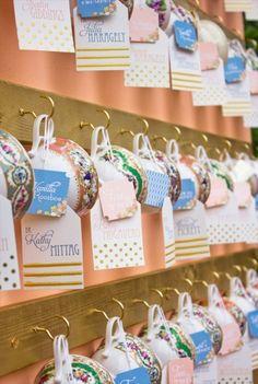 ティーカップに♡ <パステル・かわいい結婚式エスコートカード・席札まとめ一覧>