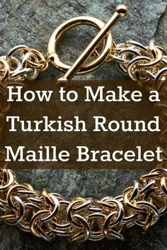 Learn how to make the chunky chain maille bracelet and 4 more handcrafted jewelry projects in this FREE ebook! #jewelrymaking #chainmaille #diyjewelry