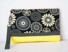 Hand bag Discs and Flowers, Strap bag, Zipper Bag, Printed Cotton Fabric. de dequitaypon en Etsy