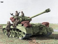 Pershing heavy American tank and crew. Tank used late in WWII Replaced Sherman as Allies' main battle tank. M26 Pershing, Tank Armor, Military Armor, Military Aircraft, Tank Destroyer, Armored Fighting Vehicle, Ww2 Tanks, Battle Tank, World Of Tanks