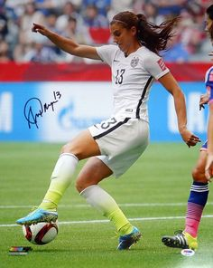 This is a 16x20 Photo that has been hand signed by Alex Morgan. This item has been certified authentic by PSA/DNA and comes with their tamper-proof sticker and matching certificate of authenticity.