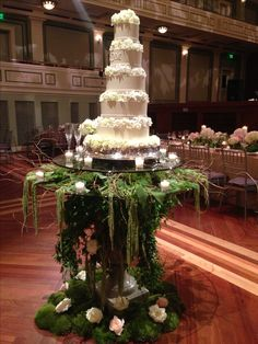 Wedding Garden cake  Wedding Ceremony www.tablescapesbydesign.com https://www.facebook.com/pages/Tablescapes-By-Design/129811416695