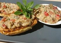 Lilková pochoutka Baked Potato, Quiche, Mashed Potatoes, Baking, Breakfast, Ethnic Recipes, Fit, Treats, Red Peppers
