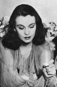 Vivien Leigh playing Chinese Checkers on the set of Waterloo Bridge, 1940