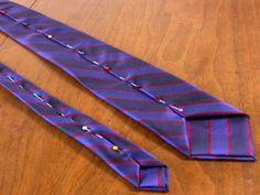 ¡Crea tus propias corbatas! Con un patrón de cartulina y seda de diferentes colores y estampados crea diseños de corbatas únicos para acompañar sus camisas. Un detalle perfecto para el día del padre. Toma un patrón de 3 piezas, dos para la parte delantera y trasera de la corbata y una para la entretela, también …