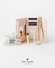 holiday gifts under $200. because she means business. featuring the cedar street iphone 6 wristlet. #getgifted