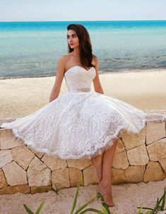 Perfect Short Wedding Dress for Vow Renewal A wedding dress can be determined by the bride by thinking about the height of the bride. Deciding on a tropical wedding dress is going to be among the best areas of planning your wedding. Short Lace Wedding Dress, Wedding Dress Sash, Top Wedding Dresses, Tea Length Wedding Dress, Wedding Gowns, Dress Lace, Wedding Reception, Lace Skirt, White Dress