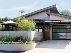 Spectacular Two-storey House Design with Impressive Interior - House And Decors Bungalow House Design, Small House Design, Modern House Design, Modern Bungalow, Modern Houses, Single Storey House Plans, One Storey House, One Floor House Plans, Modern Architectural Styles