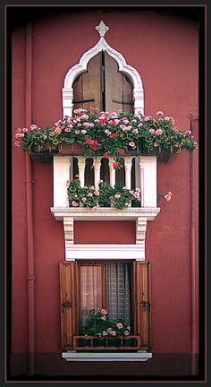 Pencereler, pencerelerimizden resimler, pencere resimleri, çiçekli pencereler, pencere resimleri