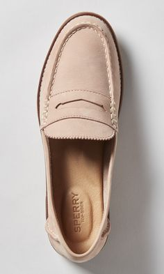 Sperry Women's Seaport Blush Pink Penny Loafer- Classic yet modern. A sophisticated loafer for a day at the office or an evening in the city. Built with memory-foam footbeds for all-day comfort, this slip-on is a wardrobe workhorse. Sneakers Mode, Sneakers Fashion, Fashion Shoes, Nike Sneakers, Fashion Top, Fashion Fall, Fashion 2017, Womens Fashion, Cute Womens Shoes
