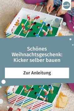 Tischfußball ist eine großartige Beschäftigung für Kinder! Noch mehr Spaß macht das Spiel mit den Kickern im Mini-Format, wenn der Kicker selbst gebastelt ist. Hier kommt unsere Anleitung, die sich auch mit wenig Bastelgeschick kinderleicht umsetzen lässt.  #weihnachten #christmas #xmas #advent #love #merrychristmas #winter #adventskalender #geschenke  #christmastime #weihnachtsbaum #christmastree #froheweihnachten #happy #family #familie #eltern #kinder #vereintimchaos #geschenke #diy #basteln Kicker, Diy And Crafts, Triangle, Games, Kids, Shoe Box, Young Children, Boys, Gaming