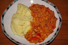 Leberkäse-Gulasch - Rezept mit Bild The perfect liver cheese and goulash recipe with a picture and s Meat Recipes For Dinner, Easy Meat Recipes, Meatloaf Recipes, Goulash Recipes, Cooking Dishes, Meat Loaf, Food For A Crowd, Vegetable Dishes, Casserole Dishes
