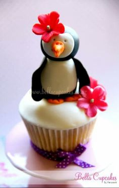 Penguin toppers for cupcakes.. so cute!