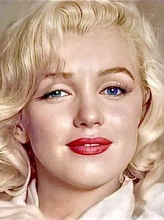 Marilyn Monroe Tattoo, Marilyn Monroe Portrait, Marilyn Monroe Photos, Golden Age Of Hollywood, Hollywood Glamour, Classic Hollywood, Old Hollywood, Actrices Hollywood, Norma Jeane