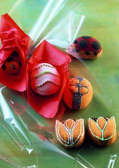 #Forma do pieczenia - Wiosenne motywy - #decosalon #design #dizajn #kaiser #baking #wielkanoc #easter #kitchenaccessories #kitchen #accessories #form #kuchnia #akcesoria #wiosna #spring #egg #pisanka #jajko #tulipany #tulip #biedronka #ladybug www.decosalon.pl