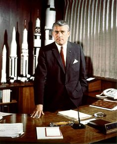 If I ever have a study.. it's gonna have rockets like Von Braun's