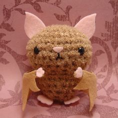 SQUEEEEEEEEEEE  Amigurumi bat by Amigurumi Kingdom: scary cute