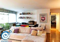 A Renata está alugando esse apartamento super amplo lá no #ItaimBibi. São 118m² de puro conforto, com 2 dormitórios (1 suíte com ar-condicionado), repleto de armários, sala de estar e jantar com abertura para a cozinha e 1 vaga na garagem. O prédio é antigo, mas é muito bem conservado e administrado! Perde essa não, vem cá ver com a gente!