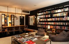 clearly a book lover's home.un appartement très graphique Home Living Room, Living Room Designs, Living Spaces, Interior Architecture, Interior Design, Black Rooms, Black Walls, Home Libraries, Built Ins