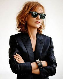 Isabelle Huppert. Tres chic.