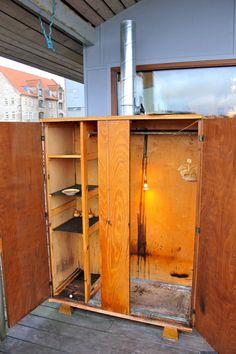 How to build a cold smoker — Nordic Food Lab Build A Smoker, Diy Smoker, Bbq Pit Smoker, Homemade Smoker, Backyard Smokers, Smoker Designs, Large Bbq, Smoke Grill, Smoker Cooking