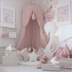 -Have a lovely evening ✩- __________________________________________________ #ad#babyroom#playroom#kidsstyl#kidsdecor#kidsinspiration#kids#canopy#flowers##interior#interiordesign#style#inspiration#inspo#interiors#dailyinspiration#stylish#instahome#instainterior#beautifulhomes#interiør#classyhomes#home#casa#house#homedecor#decor#homeinterior#homeandliving#inspoforall
