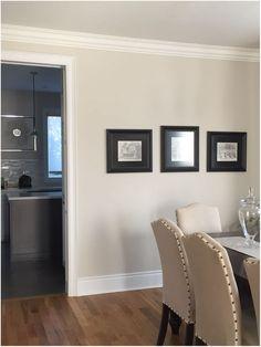 Benjamin Moore Oc 10 White Sand On Walls With Honey Oak