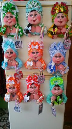 Wreath Crafts, Ribbon Crafts, Felt Crafts, Kids Dress Collection, Bathroom Crafts, Diy Christmas Decorations Easy, Doll Costume, Sewing Dolls, Doll Tutorial