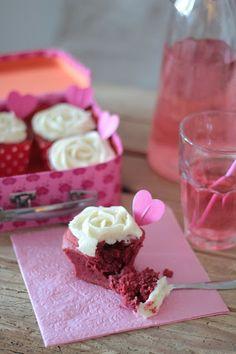 KakkuKatri: Red Velvet cupcakes