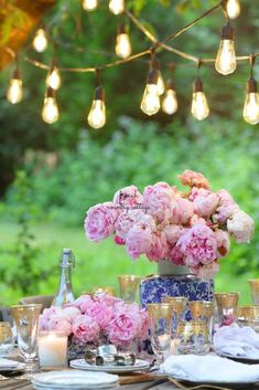 A few favorite tips for adding ambiance to summer parties - French Country Cottage French Decor, French Country Decorating, French Country Cottage, Rustic Cottage, Diy Headboards, Blush And Gold, Easter Table, Summer Parties, Garden Parties