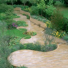 Backyard walkway design.