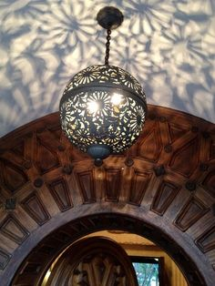 Beautiful light. Reminds me of the crochet ones and it would be interesting to put one together like this. Entryway Lighting, Porch Lighting, Bedroom Lighting, Entry Way Lights, Entry Way Lighting Fixtures, Kitchen Lighting, Lighting Ideas, Lighting Design, Hanging Light Fixtures