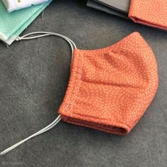 DIY : Comment coudre son masque de protection en tissu - Idées conseils et tuto Couture - Expolore the best and the special ideas about Service design Knitted Hats Kids, Knitting For Kids, Kids Hats, Sewing For Kids, Creative Knitting, Knitting Patterns Free, Free Knitting, Free Pattern, Sewing Patterns