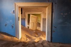 Ghost town...Kolmanskop - Namibya..