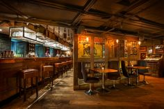 Earlham Street Clubhouse (London), Standalone Bar or Club  Raw Design