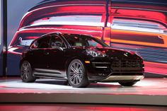 2015 Porsche Macan crossover SUV takes center stage in LA | Motoramic - Yahoo Autos Voiceplate 'Mobile Media'
