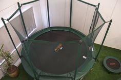 Etsikö laadukasta trampoliinia? PRO-LINE PRO Combo paketit ovat täydellinen ratkaisu kun vaadit trampoliiniltasi kestävyyttä ja hyviä hyppyominaisuuksia. Tutustu lisää: http://www.tasapeli.fi/category/3/trampoliinit