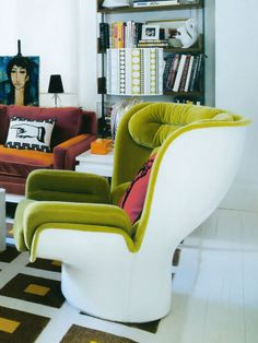 Joe Colombo Elda chair;  Photo by Richard Powers from Elle Decor UK - April 2011