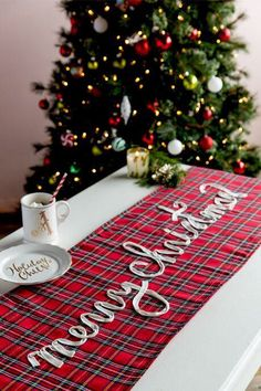 Merry Christmas Plaid Table Runner. Rustic table runner for Christmas. Traditional look. Country. Plaid. #ad