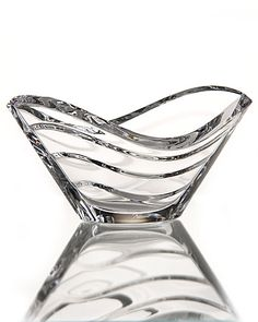 Baccarat Wave Clear Bowl - friend Patti found one for cheap ! Baccarat Crystal, Crystal Glassware, Clear Crystal, Clear Glass, Cut Glass, Glass Art, Glass Ceramic, Luxury Interior Design, Vases Decor