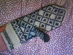 Ravelry: Project Gallery for Generic Norwegian Mittens pattern by Adrian Bizilia